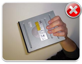 Evite tocar os conectores! Eles podem ficar tortos e ter o funcionamento prejudicado!
