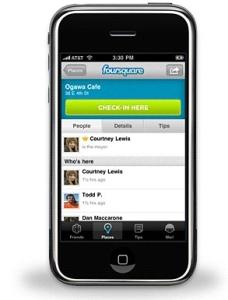 O Fousquare no iPhone. Todos  estão conectados pelo tempo que quiserem.