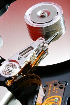 Imãs poderosos são utilizados na fabricação dos discos rígidos atuais