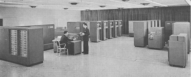 No início, um computador ocupava uma grande sala de trabalho.