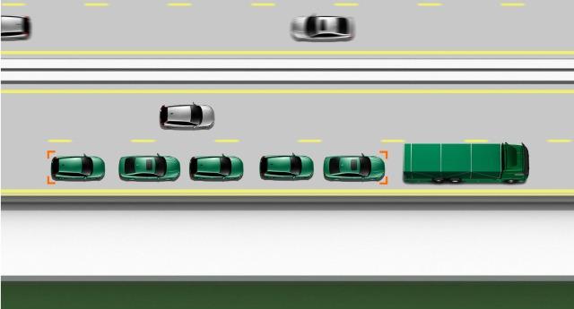 O motorista se aproxima e pede para se juntar