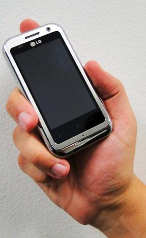 Um smartphone que cabe na palma da mão