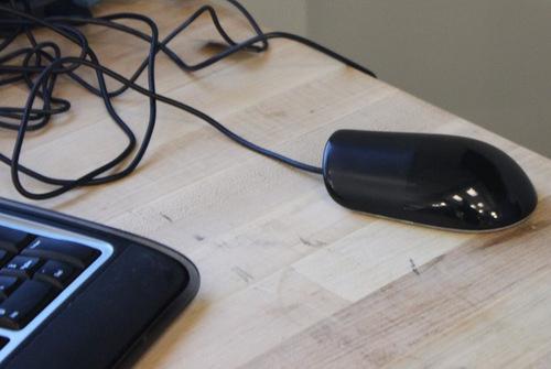 O mouse capacitivo está bem próximo da tecnologia dos iPhones!