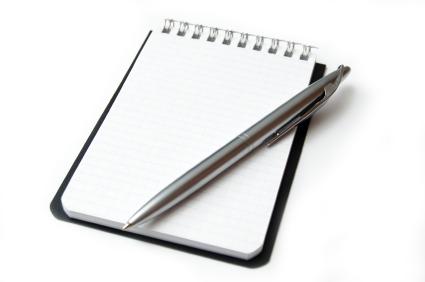Tenha em mãos, caso precise escrever alguma coisa.