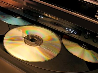É preciso comprar adaptadores para um aparelho de DVD reproduzir um DVD-Audio com qualidade