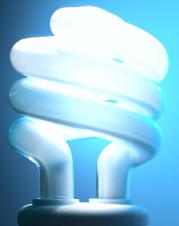 Lâmpadas elétricas são apenas umas das inúmeras fontes luminosas conhecidas pelo homem.