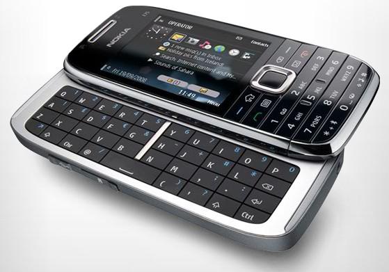 E75, teclado QWERTY em um aparelho discreto