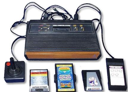 O Atari VCS, inesquecível até os dias de hoje.
