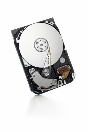 13534664b6a O motivo para é simples  os dados são gravados em discos magnéticos  chamados platters