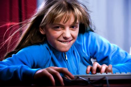 As gerações mais jovens têm muita afinidade com a tecnologia.