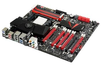 Os cinco slots PCI Express são o destaque da Crosshair