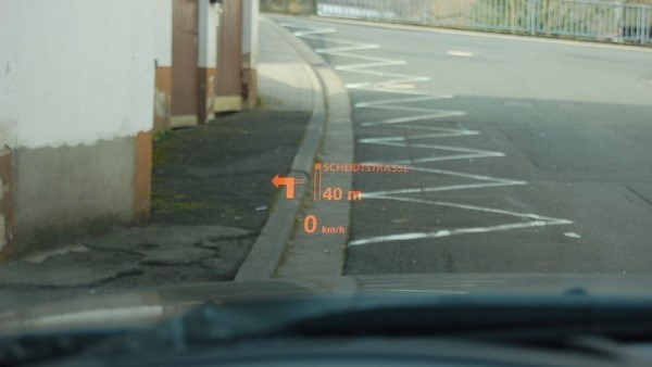Head-up display aplicado em carros