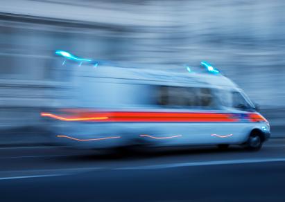 O tempo de transporte até um hospital é crucial na sobrevivência de casos graves - istock