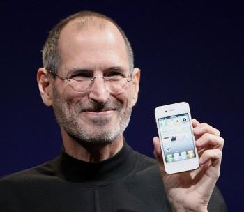 Steve Jobs é eleito o homem mais esperto da tecnologia.