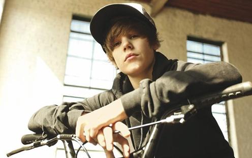 Justin Bieber, comprometedor para garotos.