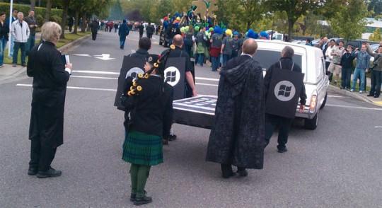 Funeral do iPhone e BlackBerry
