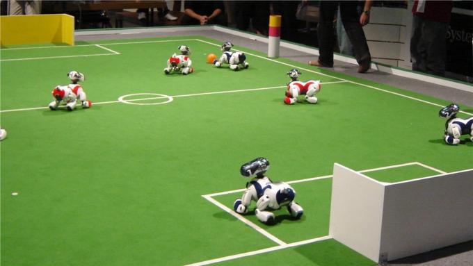 Australiano afirma que em 2050 robôs jogarão futebol .. 83355