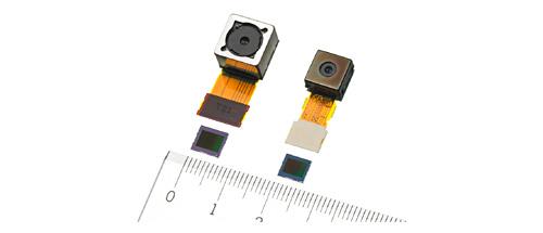 No alto, módulos com lente autofoco, e abaixo os sensores de 16.41 Mp (esq) e 8.13 Mp (dir).
