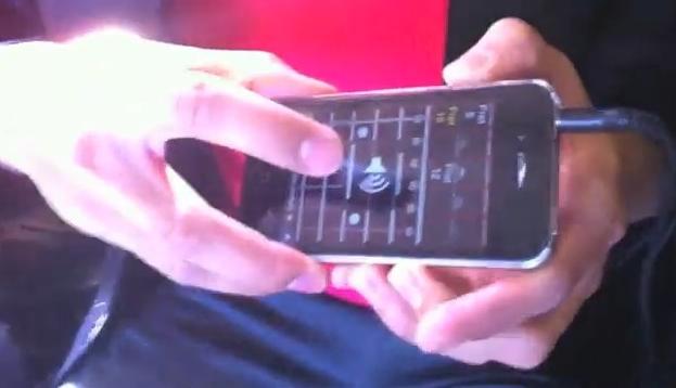 iPhone substituindo uma guitarra com a criatividade de uma banda.