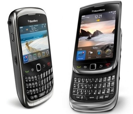 Os dois modelos apresentados pela RIM na Futurecom 2010
