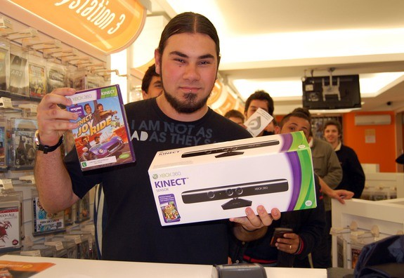 Fila na hora de comprar o Kinect