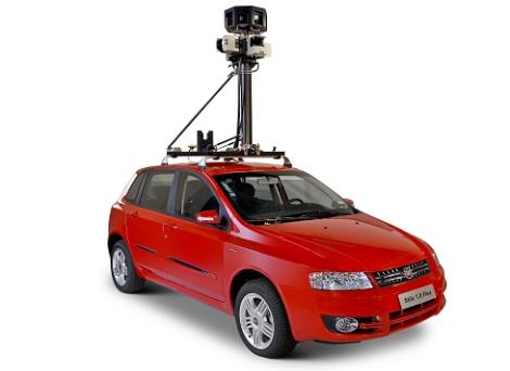 O carro que captura as imagens para o serviço.