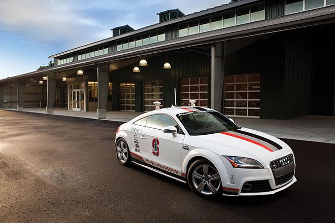 Audi TTS, o carro que não precisa de piloto.