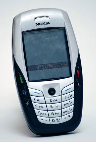 Nokia 6600 rodando o Symbian. Foto: Domínio público.