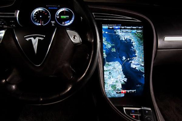 NVIDIA entra de cabeça no mercado automobilístico.