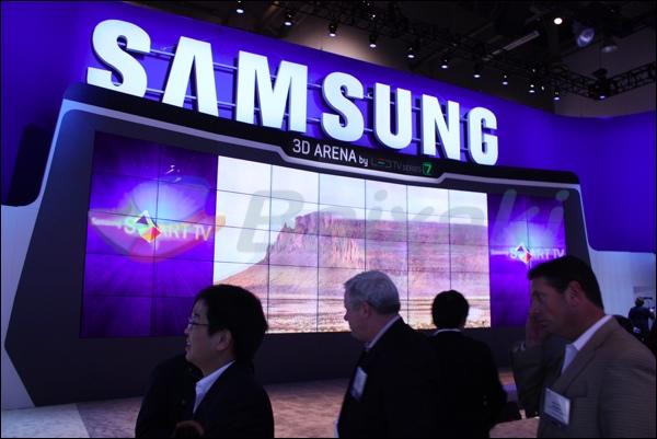 Painéis 3D e em alta resolução no estande da Samsung.