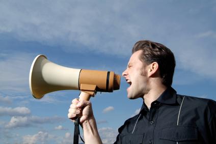 Redes sociais deram mais poder aos consumidores na hora de reclamar ou exigir algo de empresas