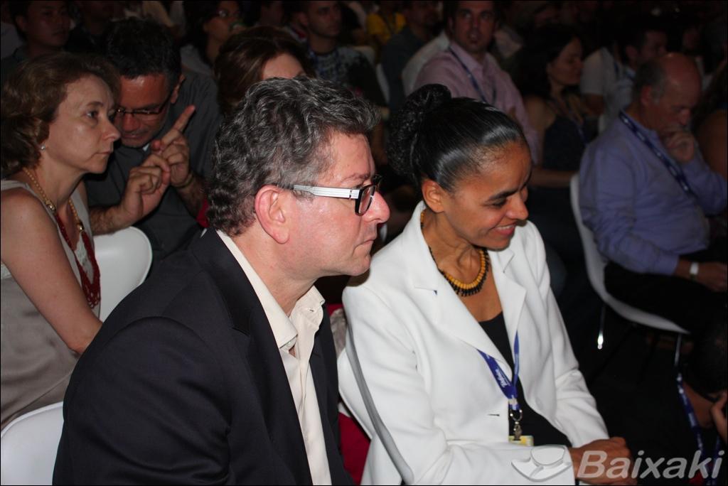 Marina Silva e outras personalidades políticas acompanharam o evento