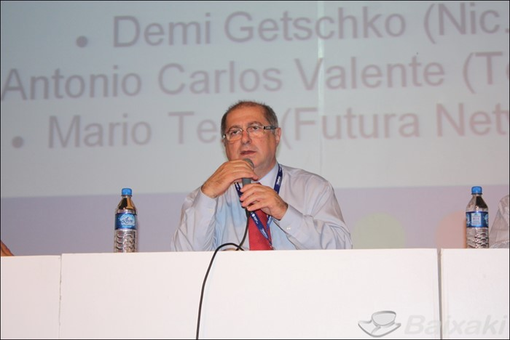 Paulo Bernardo quer internet banda larga a R$ 30