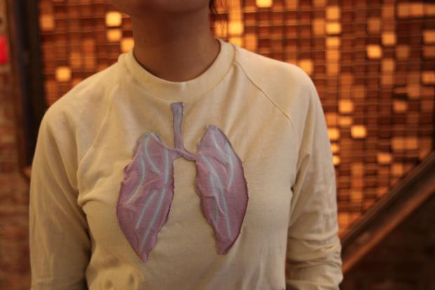 Camiseta que mede nível de poluição do ambiente