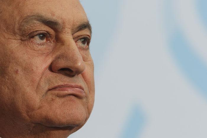 Protestos contra presidente egípcio termina em censura.