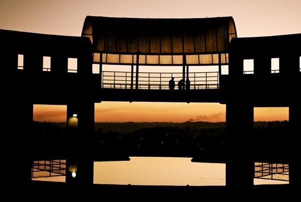 Modo noturno, para captar imagens em ambientes escuros