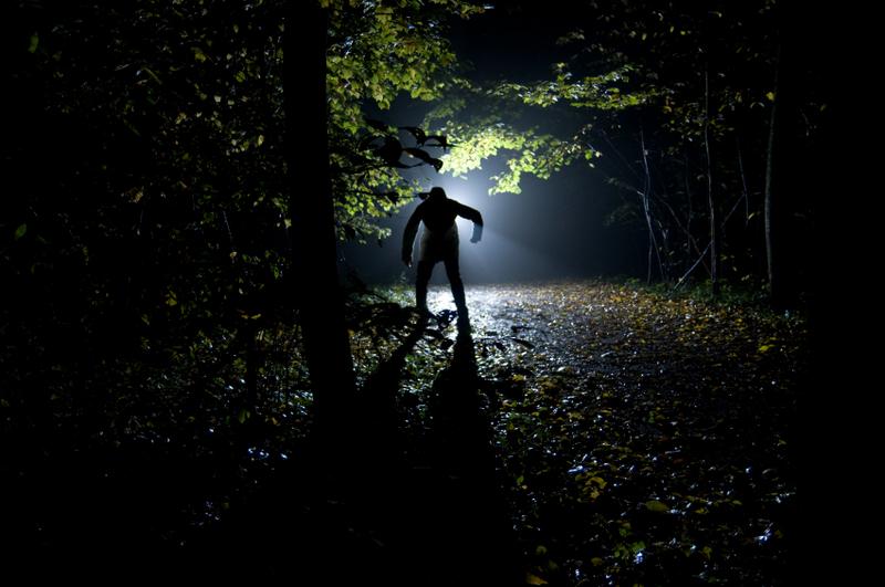 Tenha muito medo deles na escuridão