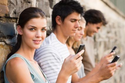 Acesso às redes sociais com qualquer aparelho celular