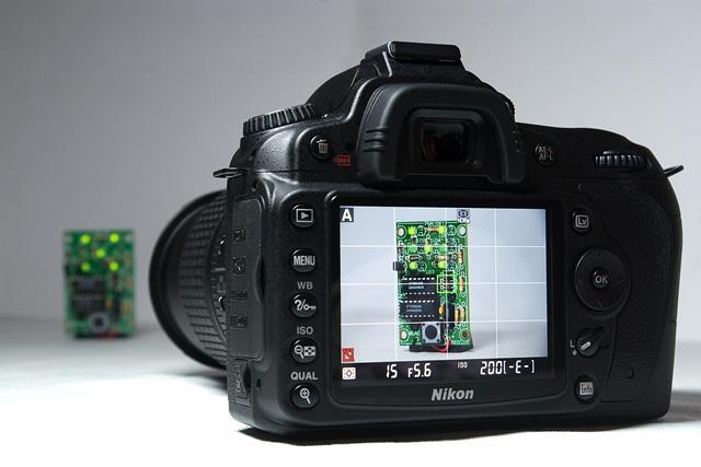 Algumas câmeras possuem visualização prévia no visor, porém é um recurso limitado