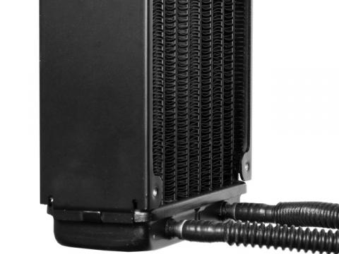 Mangueiras conectadas ao radiador